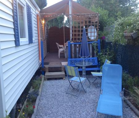 Camping mobilhome terrasse commune