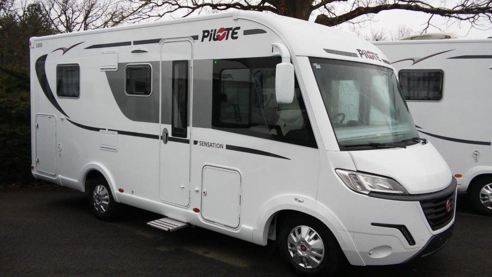 Camping car pilote lit central occasion