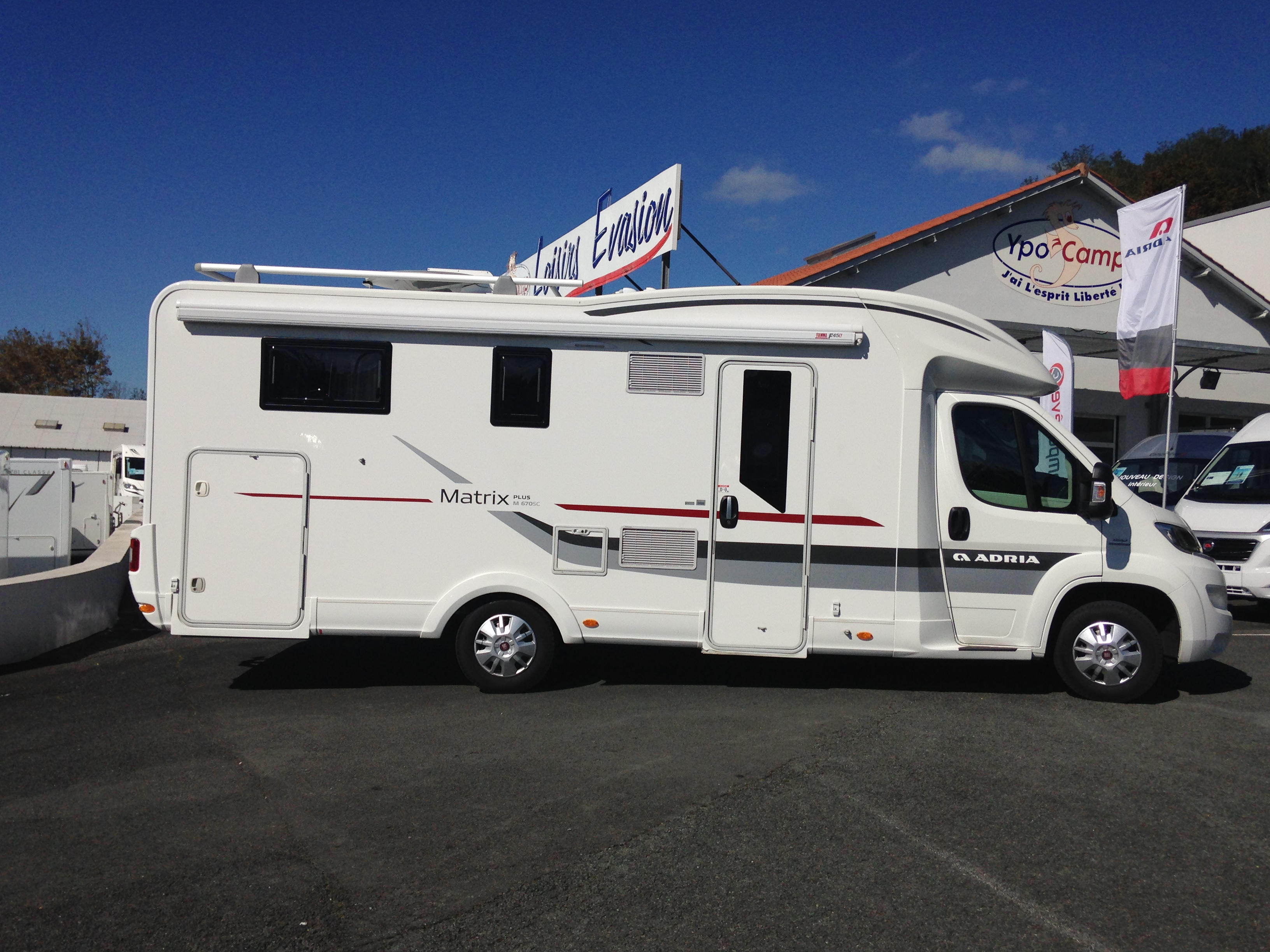 Camping car occasion jeanniot camping car salon