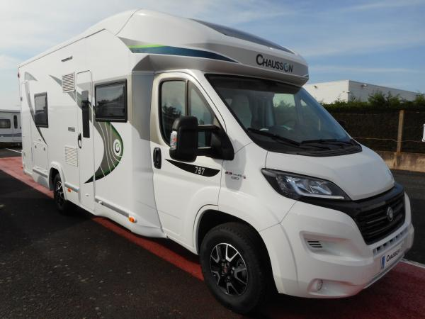 Camping car chausson integral occasion