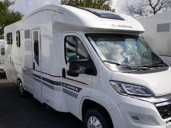 Camping car adria matrix plus 670 sl