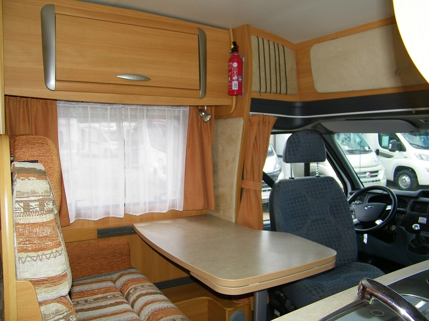 Camping car occasion chausson flash 02
