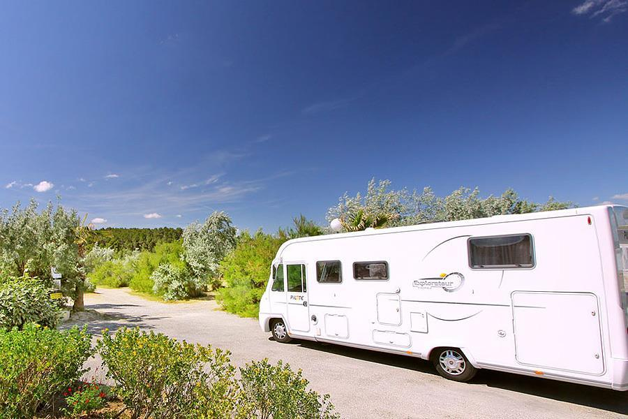 Camping car narbonne camping car dessin