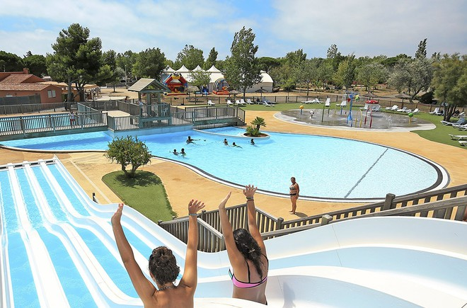 Camping narbonne plage camping huttopia