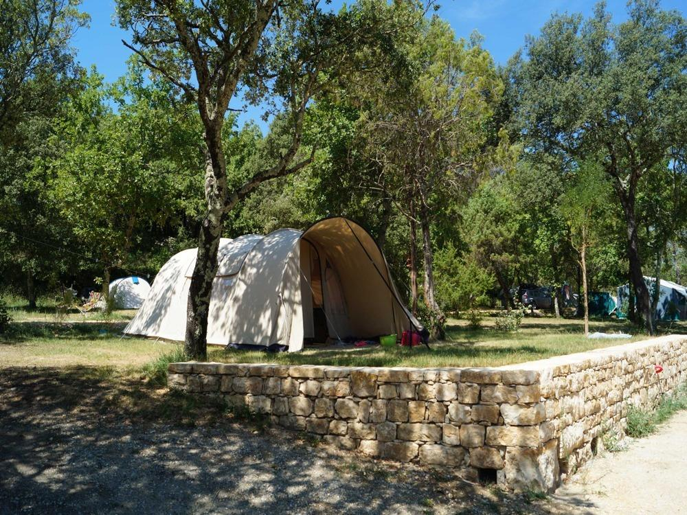 Camping uzes