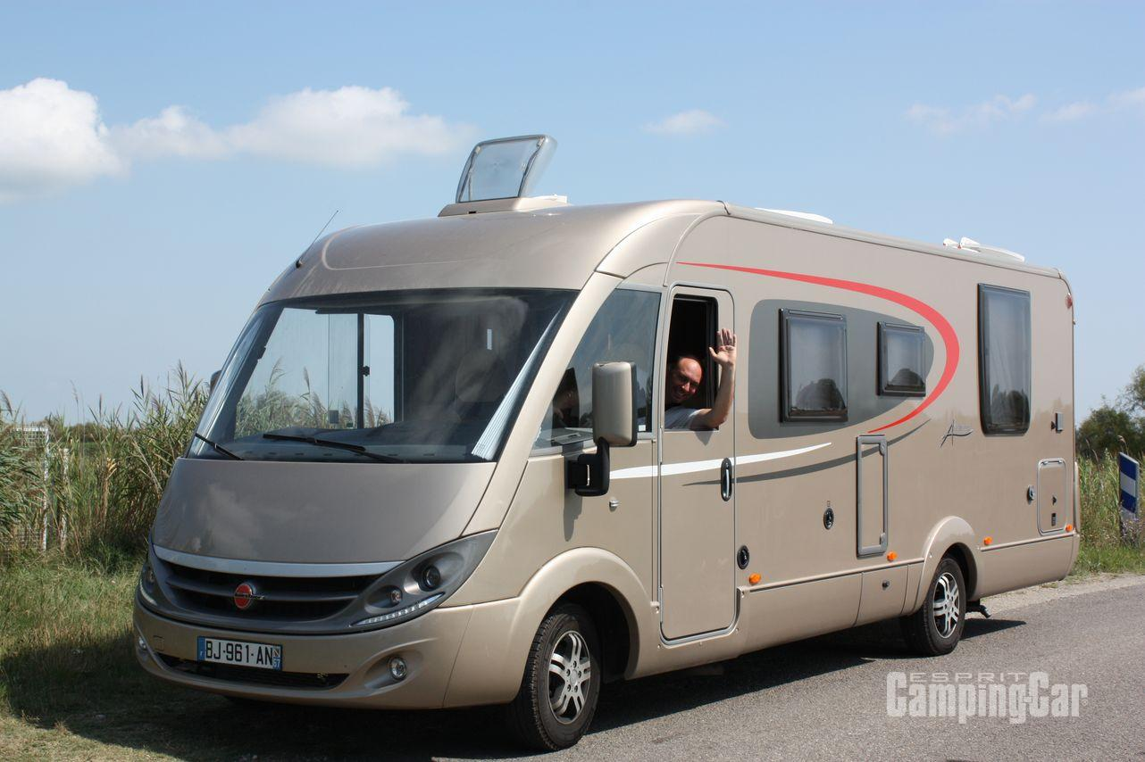 Camping car occasion integral burstner