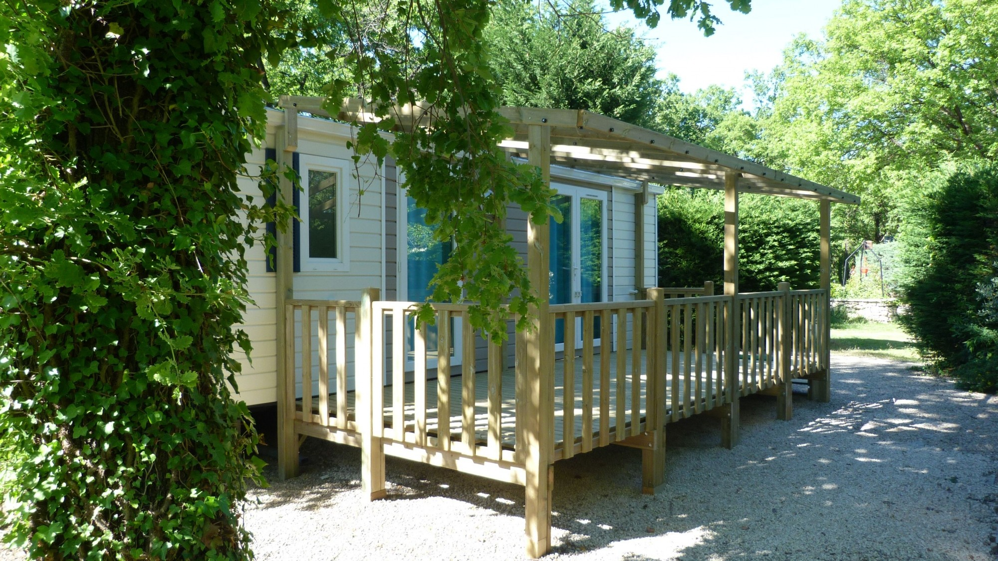 Mobil home occasion sur camping ouvert a l annee