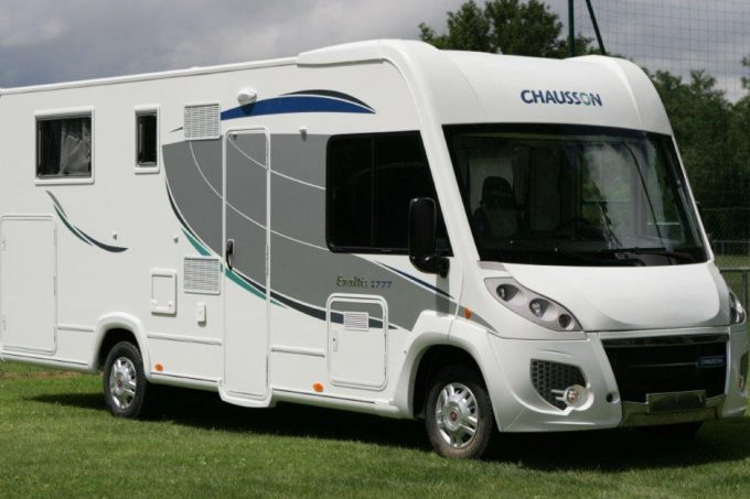 Camping car integral chausson occasion
