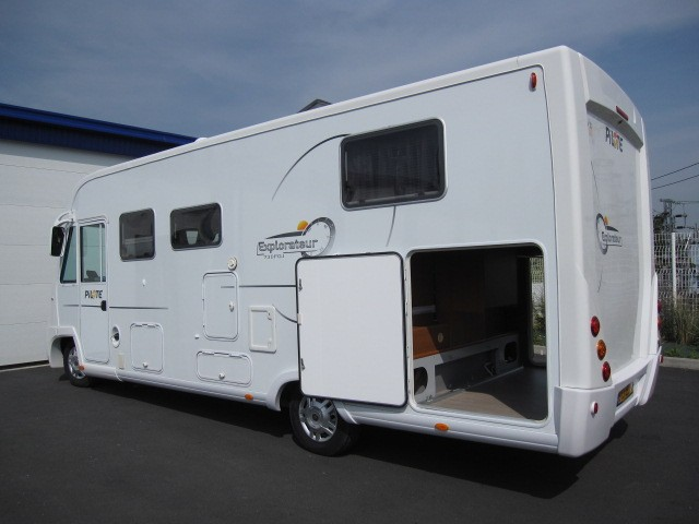 Camping car occasion integral avec soute garage