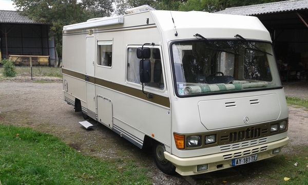 Camping car integral occasion particulier lit central
