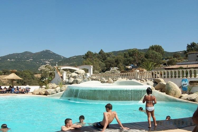 Camping corse propriano camping corse bungalow 8 personnes