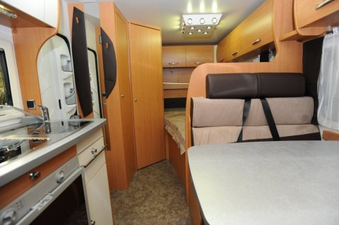 Camping car challenger genesis 32 occasion
