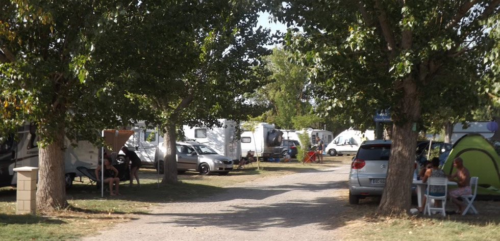 Les peupliers camping avenue camping mobilhome 7 promenade de l ancien stade 34440 colombiers
