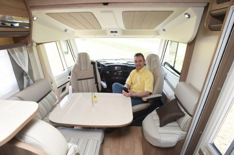 Camping car integral rapido lit central occasion