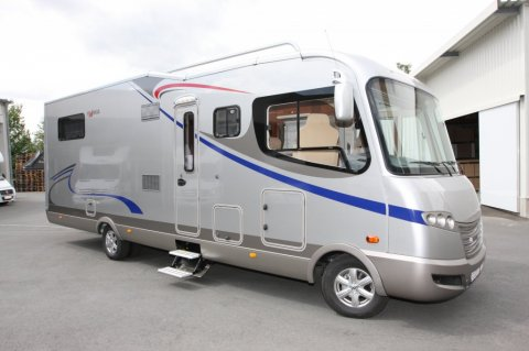 Camping car occasion integral frankia camping car renault master d'occasion