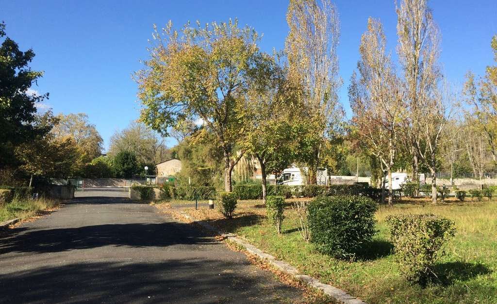 Camping car tonnay charente