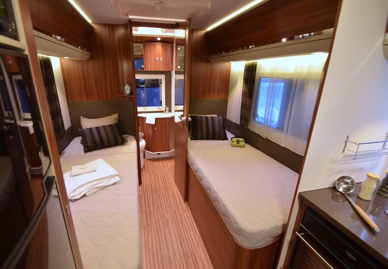 Camping car rapido occasion lits jumeaux
