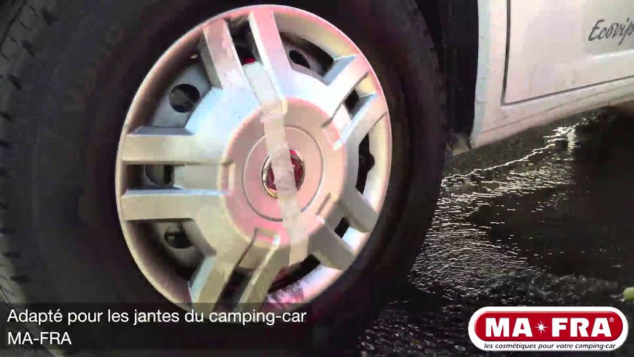 Nettoyage traces noires camping car
