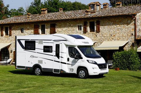 Camping car integral lit central moins de 7m occasion