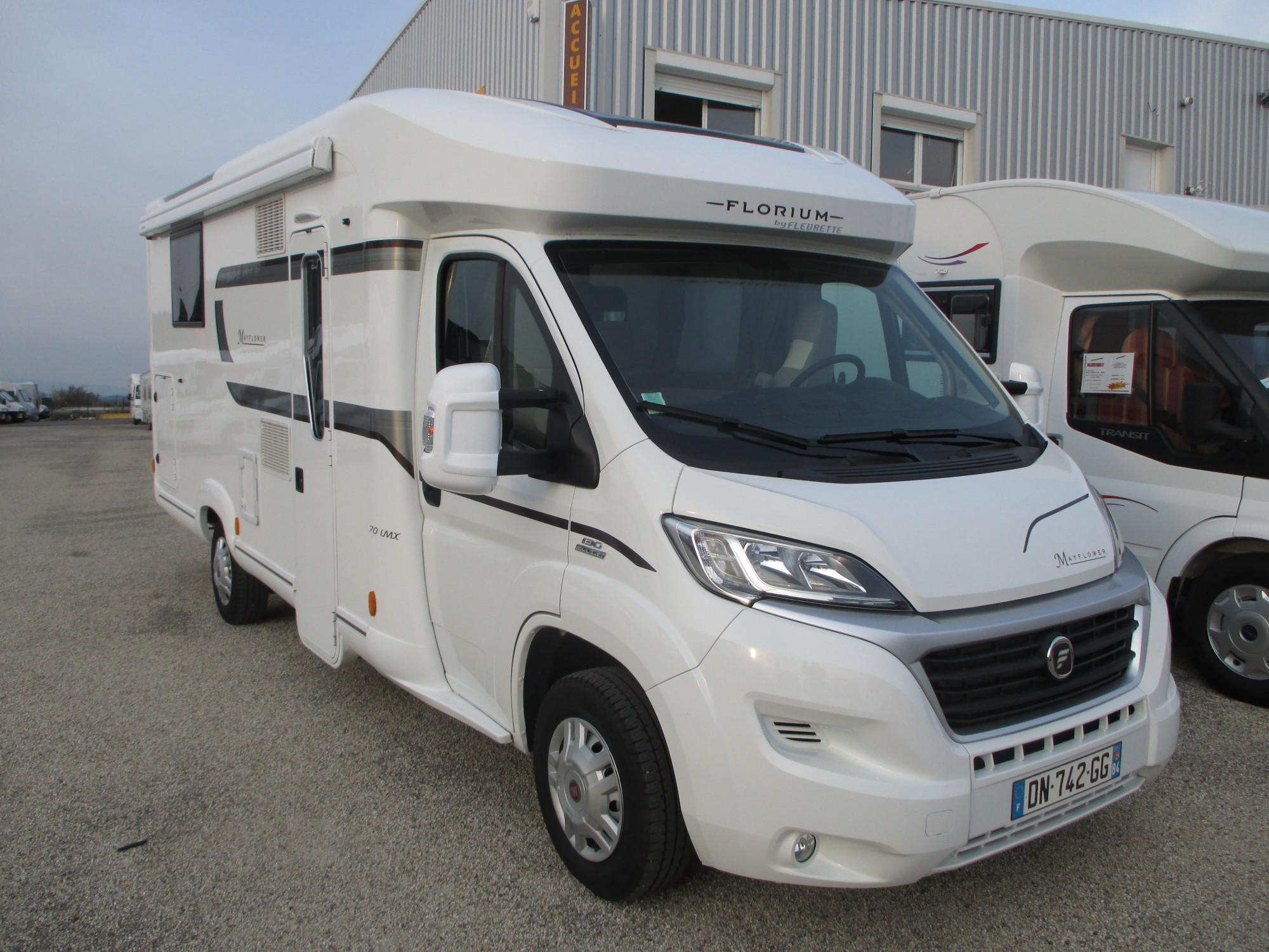 Achat camping car profilé occasion