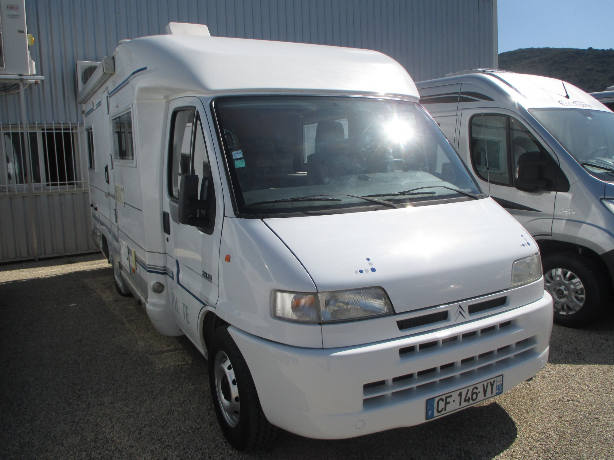 Camping car fourgon pilote occasion