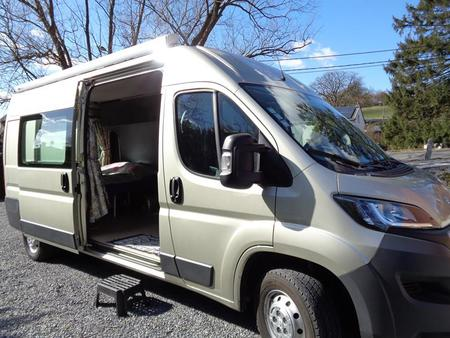Camping car occasion le parking camping car occasion hertz