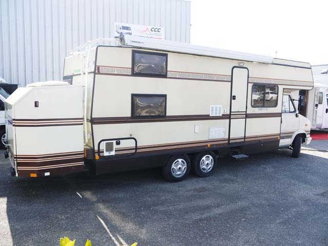 Camping car occasion double essieux