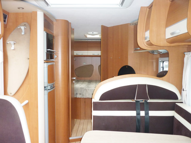 Camping car occasion pilote lit central