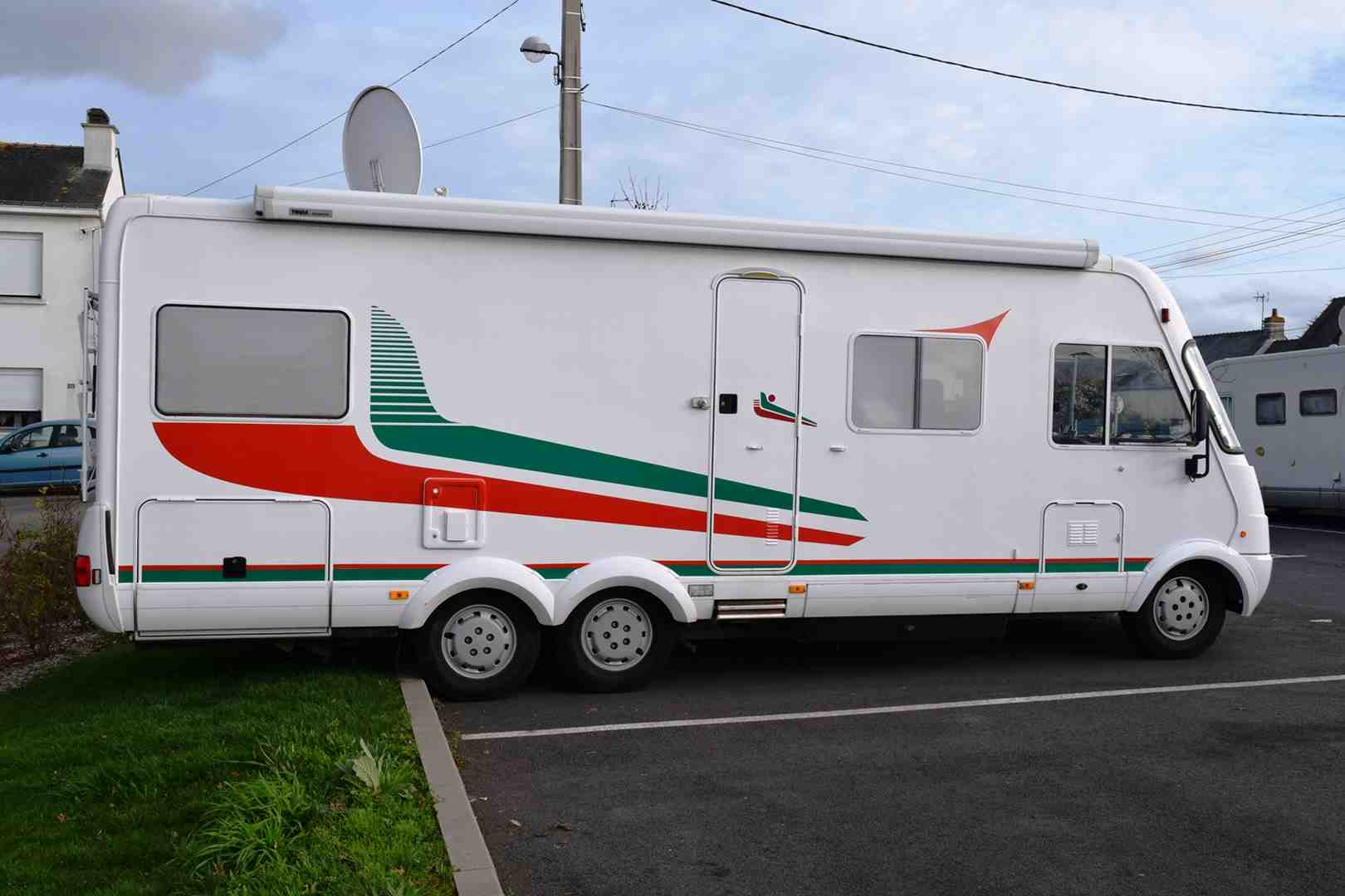 Television camping car occasion